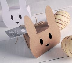 Little box for Easter eggs - SelfPackaging Easter Table, Easter Eggs, Little Boxes, Packaging Design, Projects To Try, Paper Crafts, Ideas, Holiday, Templates