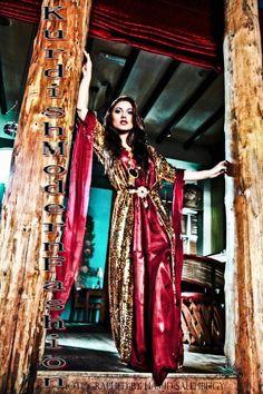 Dashni singer...kurdish dress