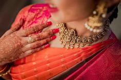 How To Be A Contemporary South Indian Bride! How To Be A Contemporary South Indian Bride! How To Be A Contemporary South Indian Bride! How To Be A Contemporary South Indian Bride! Gold Temple Jewellery, Gold Jewellery Design, Gold Jewelry, India Jewelry, Antique Jewellery, Jewelry Rings, Saree Jewellery, Diamond Jewellery, Jewelry Sets
