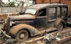 Old Pickup Trucks, Jeep Pickup, Chevy Trucks, Classic Trucks, Classic Cars, Flower Car, Rusty Cars, Abandoned Cars, Abandoned Places