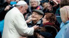 Papa Francesco: lo stato non guadagni con medicina. Curare, non lasciar morire