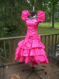 VINTAGE 80s HOT PINK BEST IN SHOW WILD CHILD PROM PARTY DRESS MED