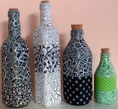 Resultado de imagem para garrafas decoradas com tecidos Diy Bottle, Wine Bottle Crafts, Bottle Art, Mosaic Bottles, Glass Bottles, Creative Crafts, Diy And Crafts, Painted Wine Bottles, Altered Bottles