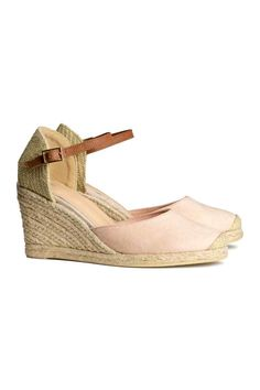 b904568557 Espadrilles à talon compensé   H&M Heeled Espadrilles, Espadrille Shoes,  Leather Espadrilles, Wedges