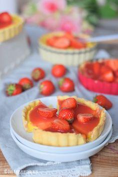Pudding Tartelettes mit Erdbeersauce | Das Knusperstübchen