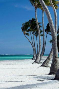 I wanna go to the Bahamas sooo bad!!!