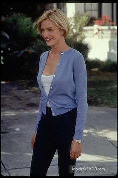 Bildresultat för cameron diaz theres something about mary Spring Fashion Outfits, 90s Fashion, Fashion Movies, Cameron Diaz 90s, Cameron Diaz Short Hair, Carmen Diaz, There's Something About Mary, Grown Out Pixie, Celebrity Look