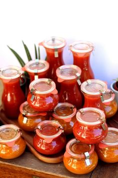 Faites vos conserves de sauce tomate maison Ratatouille, Bio, Punch Bowls, Quiche, Sauces, Salsa, Food And Drink, Canning, Jar Recipes