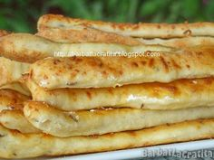 saratele-cu-branza-si-chimen-16 Healthy Eating Recipes, Cooking Recipes, Brunch Recipes, Dessert Recipes, Romanian Food, Pastry And Bakery, Snacks, Breakfast Bowls, Food Festival