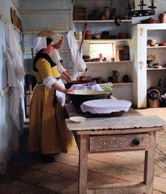 16th century Dairymaids - Kentwell 2014