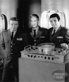 Richard Basehart, Robert Dowdell and David Hedison in Voyage to the Bottom of the Sea