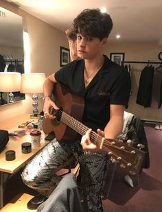Teen Awards we just arrived for soundcheck! The Vamps, October 2017 Brad Simpson, Will Simpson, Beautiful Boys, Pretty Boys, Cute Boys, Brad The Vamps, Teen Awards, Awards 2017, New Hope Club