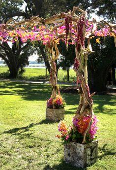 chuppah; natural branches that stand alone #themodernjewishwedding.com