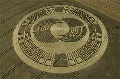 Crop circles : se sont des formes géométrique qui apparaissent dans les chants de blés. Leurs origines est depuis toujours inconnus