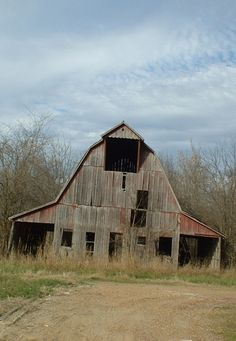 Decaying Barn In Stockton, Missouri #Provestra #Skinception #coupon code nicesup123 gets 25% off   ..rh