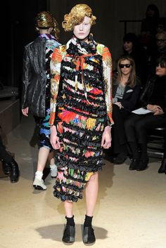 Comme des Garçons Fall 2011 Ready-to-Wear - Collection - Gallery - Style.com