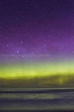 Aurora Australis - Goats Beach, Tasmania, Australia Beautiful Sky, Beautiful World, Beautiful Places To Visit, Places To See, Nature's Miracle, Visit Egypt, Natural Phenomena, Tasmania, Night Skies