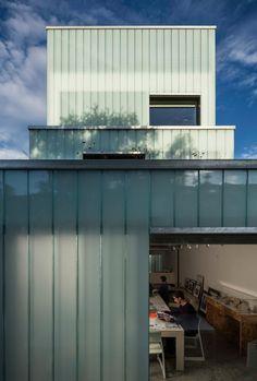 Slip House | Carl Turner Architects; Photo: Tim Crocker | Bustler
