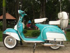Vintage Teal Green and Ivory Italian Vespa 1967 VLB Scooter, See My other Vespa!