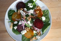 Spinach and Beet Salad with Goat Cheese and Walnuts. I eat salad almost every day and this is one of my favorites. I use my homemade organic balsamic vinaigrette. Beet Salad, Salad Bar, Soup And Salad, Spinach Salad, Healthy Dishes, Healthy Eating, Healthy Recipes, Healthy Treats, Free Recipes