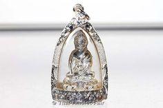 RARITÄT! - Silber Phra Gring Buddha Thai Amulett Tieralueg Yoo Soo Soo Ruun Throng Prathan Nuea Ngern von seiner Heiligkeit, dem Supreme Patriarchen von Thailand, Somdej Phra Nyanasamvara (Phra Somdej Sangkarat) aus dem Wat Bowornivet, vom Freitag dem 15.03.2556 (2013). Das Amulett wurde anlässlich seines bevorstehenden 100. Geburtstages in einer nummerierten Miniserie von nur 599 Stück erschaffen.