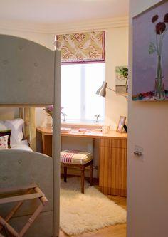 Children's Bedroom with bespoke bunk bed and desk for homework.