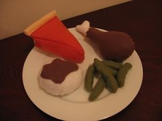 homemade Felt Food toys- want to make for charlottes kitchenset were making