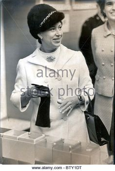 princess margaret black and white | Hrh Princess Margaret Today Paid A Visit To The 1968 Daily Mail Ideal ...