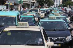 Grupo de taxistas no Facebook apela à violência e debate táticas para enganar clientes
