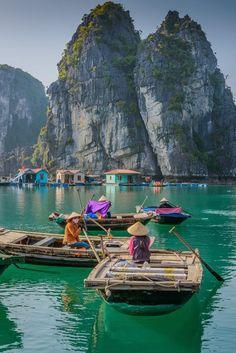 Ha Long Bay, Vietnam - I would love to go!