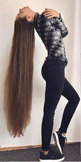 Long and healthy hair looks marvelous, but at the same time, it is a bit tricky to obtain and keep it that way. SIMPLE WAYS TO MAKE YOUR H… in 2020 Really Long Hair, Super Long Hair, Make Hair Grow, How To Make Hair, Beautiful Long Hair, Gorgeous Hair, Curly Hair Styles, Natural Hair Styles, Tips Belleza