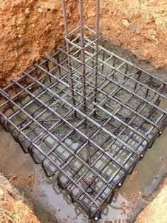 Part Foundation: Spread Footing in soil type B: sand and Gravel: looked to soil bearing pressure: 4000 psf minimum Framing Construction, House Construction Plan, Construction Design, Concrete Structure, Building Structure, Building Design, Building Foundation, House Foundation, Footing Foundation