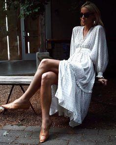 La robe romantique par excellence... (robe Ulla Johnson - photo Mary Seng)