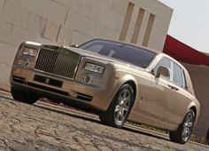 Hong Kong holds the most Rolls Royce's per capita. #HongKong #fact #RollsRoyce #Mercedes