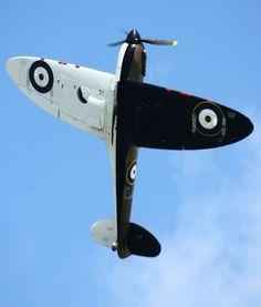 Ia Pics thanks to Martin. Air Force Aircraft, Ww2 Aircraft, Fighter Aircraft, Military Aircraft, Fighter Jets, Fixed Wing Aircraft, Aircraft Propeller, The Spitfires, Supermarine Spitfire