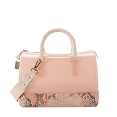 Furla handbags, find them on eBay, brought together for you in one convenient site! Time and money savings! www.womensdesignerhandbag.com