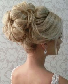 loose waves wedding updo hairstyle via elstile / http://www.himisspuff.com/wedding-hairstyles-for-long-hair/3/