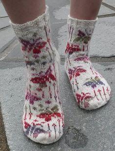 Ravelry: Flying Butterfly Socks - Flyvende Sommerfugl sokk pattern by Aud Bergo Crochet Socks, Knitted Slippers, Slipper Socks, Knit Or Crochet, Knitting Socks, Hand Knitting, Knit Socks, Fair Isle Knitting, Ravelry