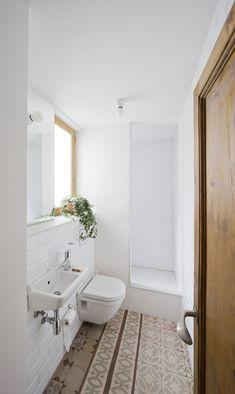 mini basin and toilet