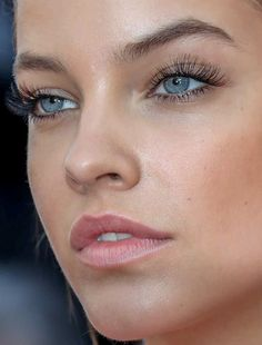 barbara palvin barbara palvin red carpet makeup lashes celeb celebrity celebritycloseup