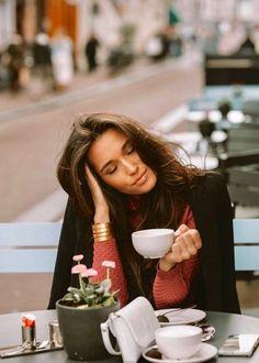 Coffee Shop Photography, Photography Photos, Beauty Photography, Coffee Shot, Coffee Break, Coffee Cups, Coffee Zone, Iced Coffee, Morning Coffee