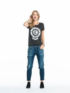 T-shirt met artwork op de borst