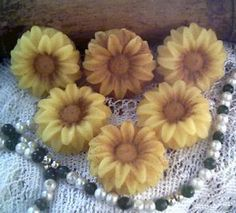 Perfect wedding favors, beeswax sunflower candles :)