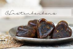 Hustenbonbons selber machen geht ganz einfach und mit den Kräutern und Gewürzen schmecken sie nicht nur toll sondern wirken auch fantastisch.