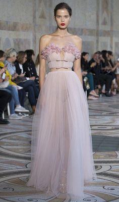 Sara Witt at Giambattista Valli Fall 2017 Couture