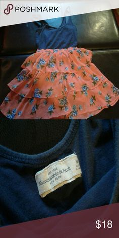 Adorable dress! Abercrombie & Fitch dress, just too cute! Dress up or down. Comfortable and cute! Abercrombie & Fitch Dresses Mini