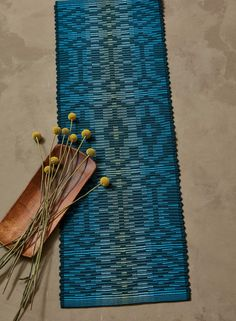 Traditional rep weave as we know it has straight lines, but Lucienne Coifman, through a smart use of thin weft picks, was able to break those lines and make them wavy in her nontraditional 8-shaft variation. Check out the Wavelets Rep-Weave Table Runner in Handwoven, March/April 2018!