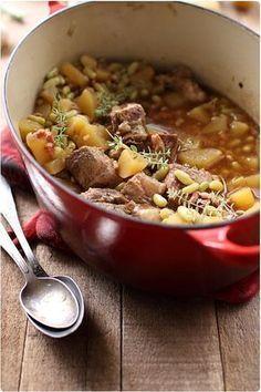 Sauté de porc aux flageolets, pommes de terre et lardon