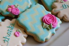 gold stenciled chevron cookies...
