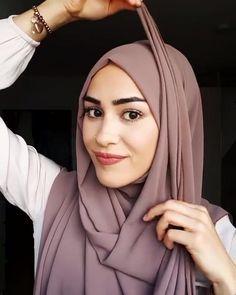 Turkish Hijab Tutorial, Square Hijab Tutorial, Simple Hijab Tutorial, Hijab Style Tutorial, Hijab Turban Style, Mode Turban, Hijab Style Dress, Wedding Hijab Styles, Hair Scarf Styles